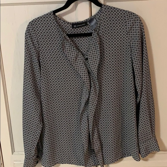 Black & white blouse in size 2